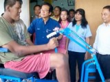 Morto in Thailandia l'uomo più alto del mondo: un 'gigante' da 269 cm, aveva 26 anni